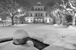 La Mairie et la place Stalingrad sous la neige